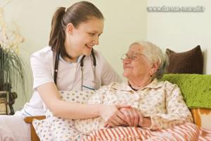 خدمات پرستاری از سالمند در منزل