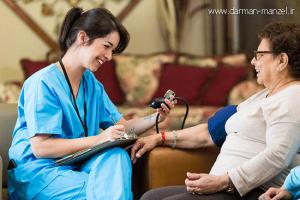 خدمات بالینی در منزل